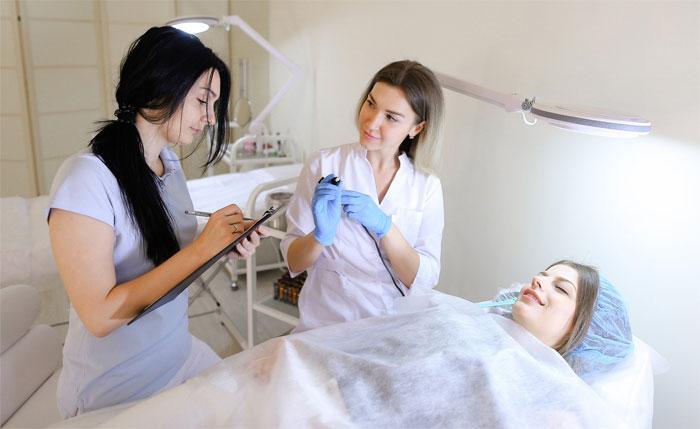 Косметолог с медицинским образованием