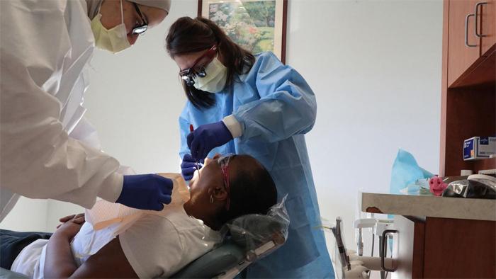 Лечение зубов во сне: преимущества и особенности