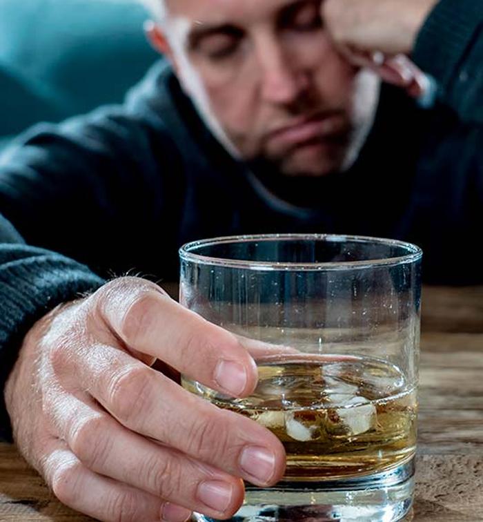 Медико-социальная реабилитация алкозависимых: вывод из запоя
